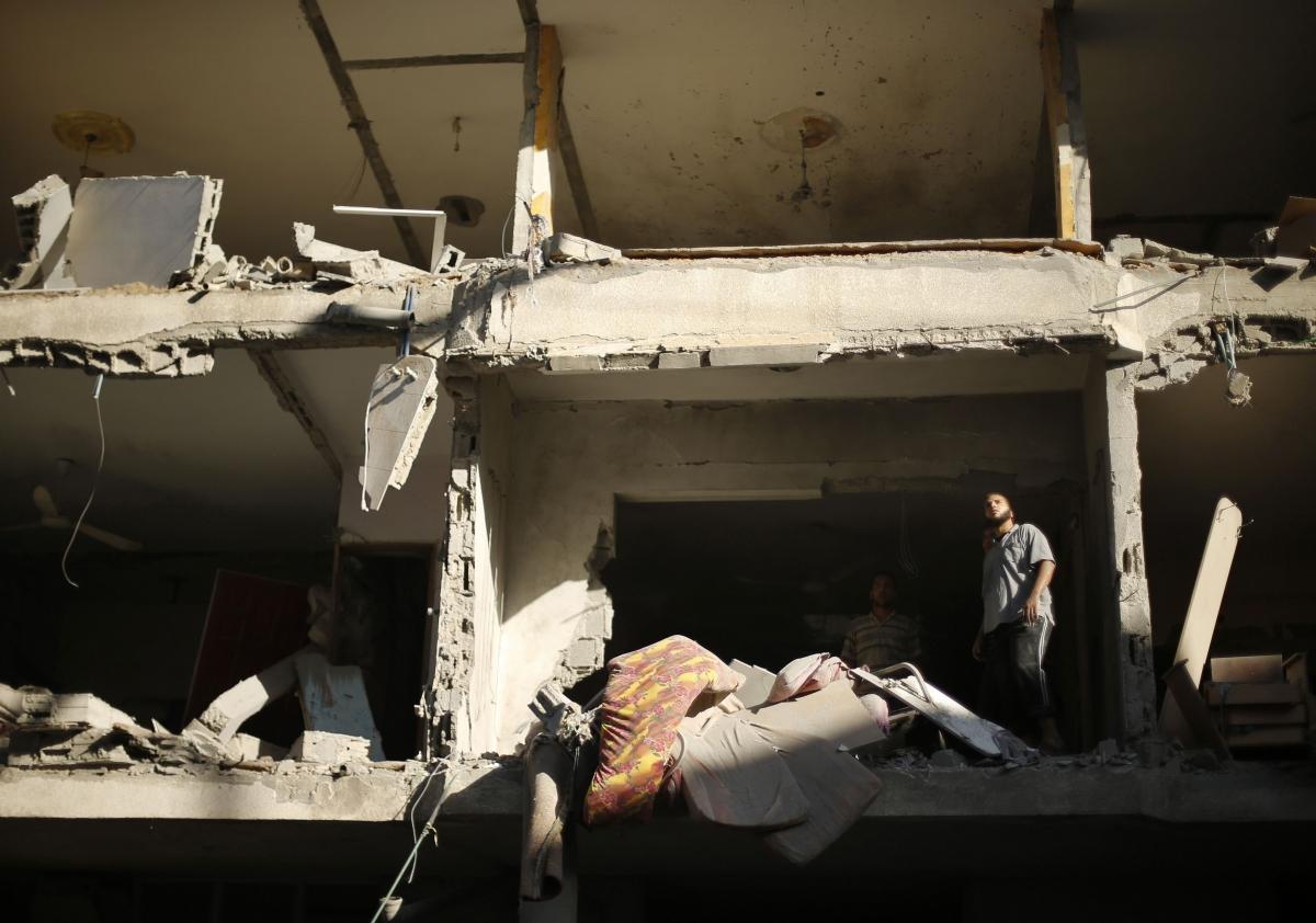 Israel Warns 100,000 Gazans to Evacuate as it Steps Up Air Offensive