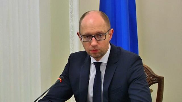 Yatseniuk: MH17 victims Killed by 'Russian-Led Terrorists'