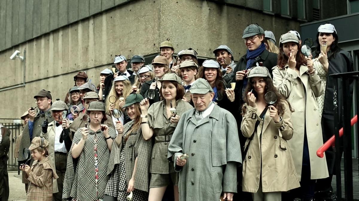 Sherlock Holmes Fancy Dress World Record Attempt Sees Fans Gather near Baker Street
