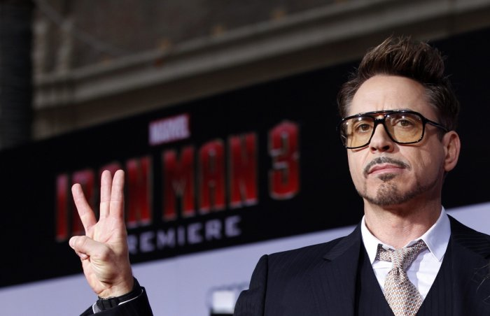 Robert Downey Jr. poses at the premiere of