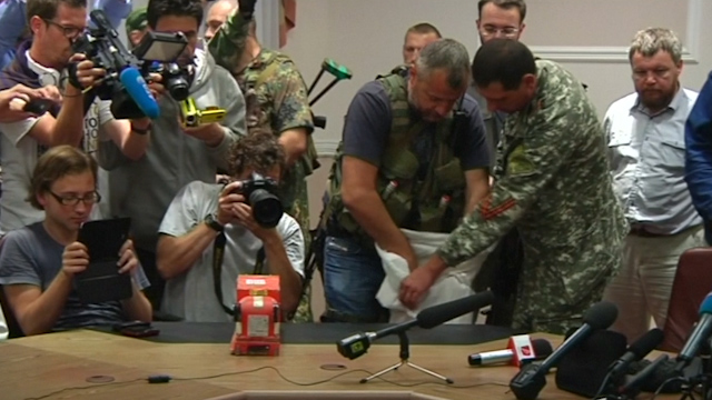 MH17: Ukraine Rebels Hand over Black Boxes to Experts