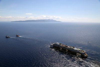 costa concordia towed