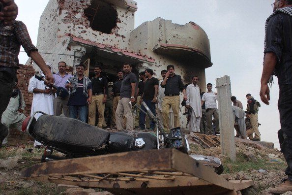 Pakistani security stages operation to foil suspected militants hideout