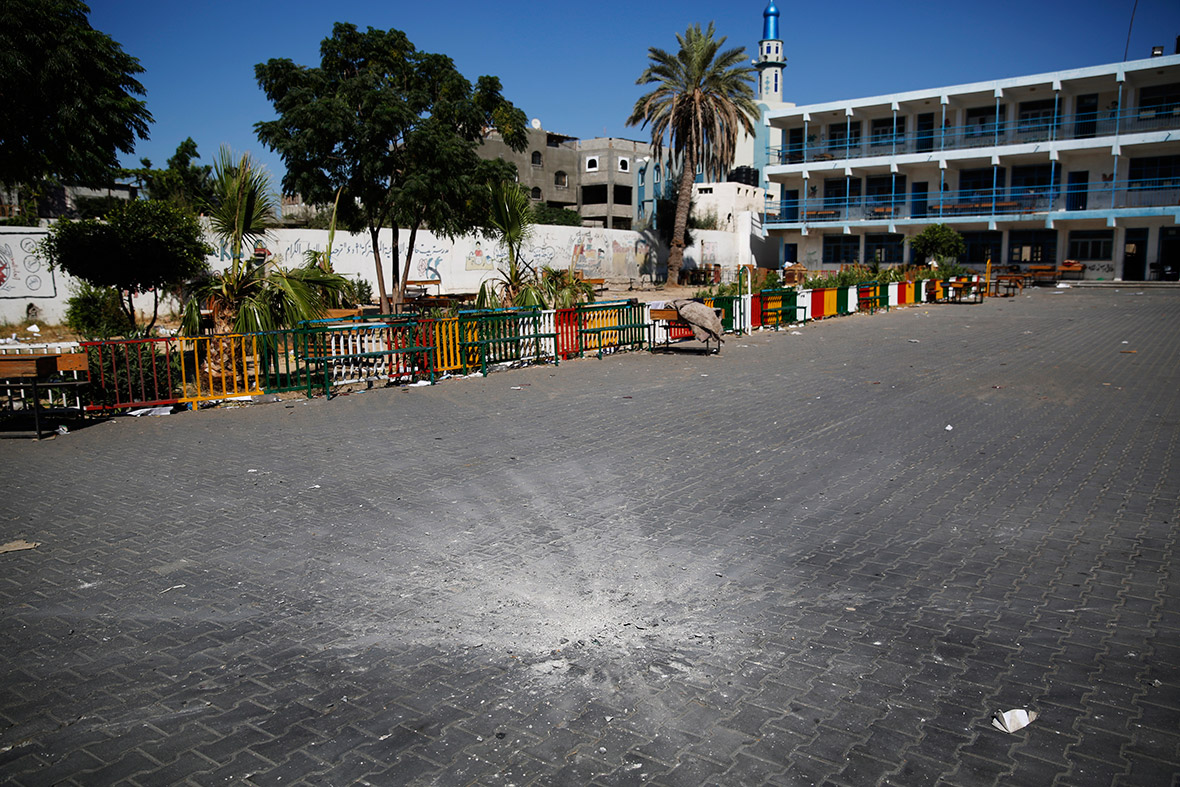 gaza UN school crater