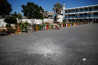 gaza UN school crater