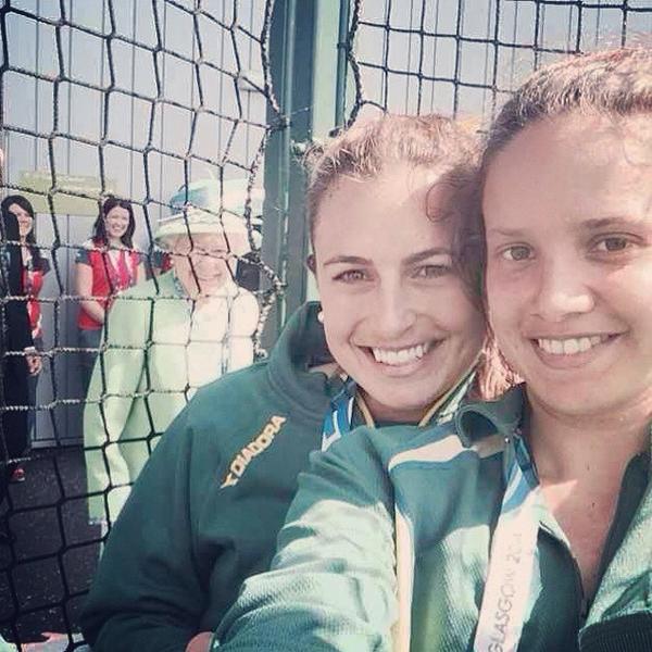 Queen of England photobombs Australian hockey players Selfie