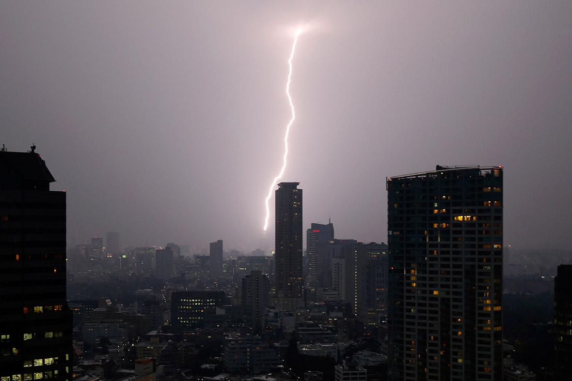 lightning tokyo