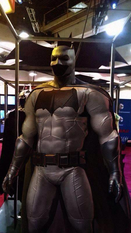 http://d.ibtimes.co.uk/en/full/1390787/batsuit.jpg