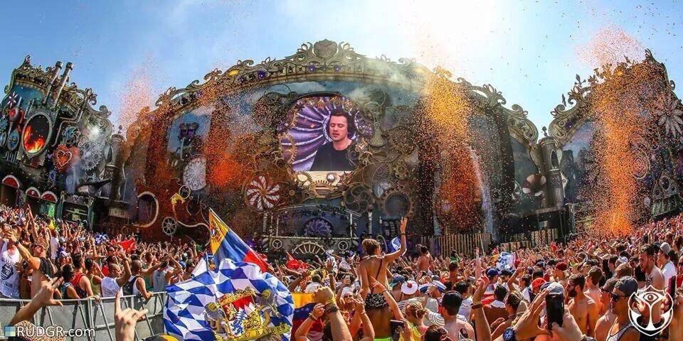 Tomorrowland Weekend 2