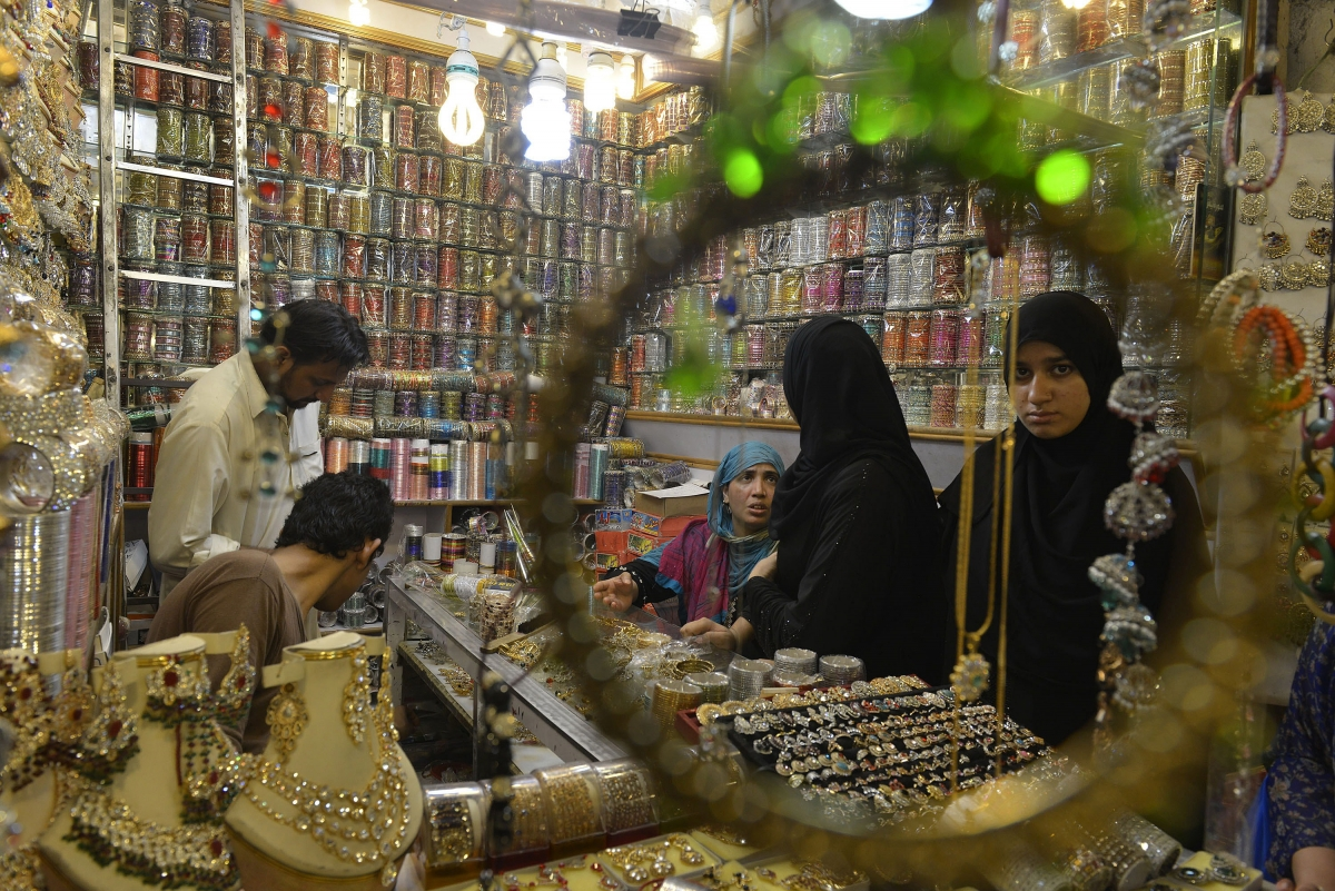 Pakistani Woman Buying Jewellery