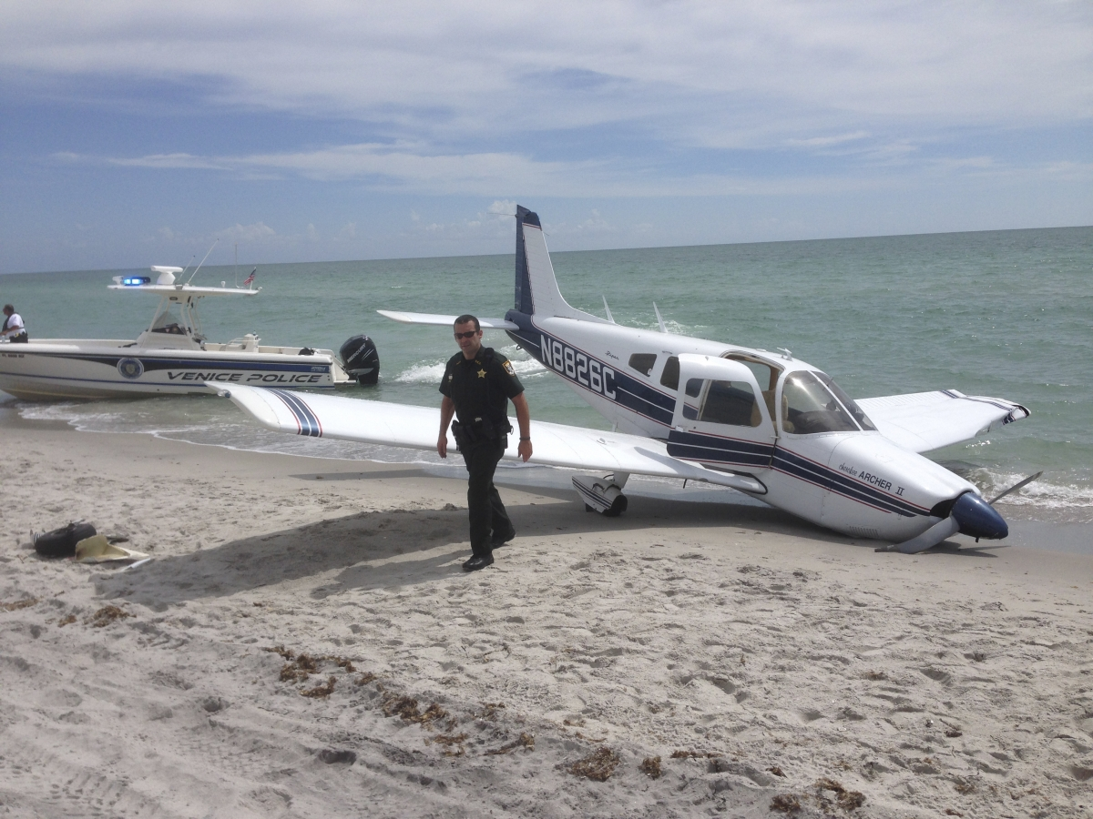plane crash venice florida