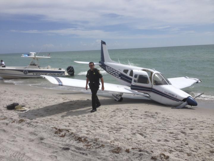 plane crash venice florida
