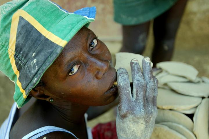 mud pies Haiti