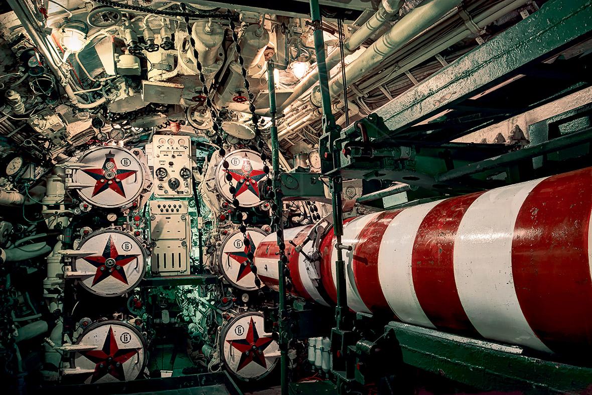Uk Foxtrot B-39 U-475 Black Widow Submarine