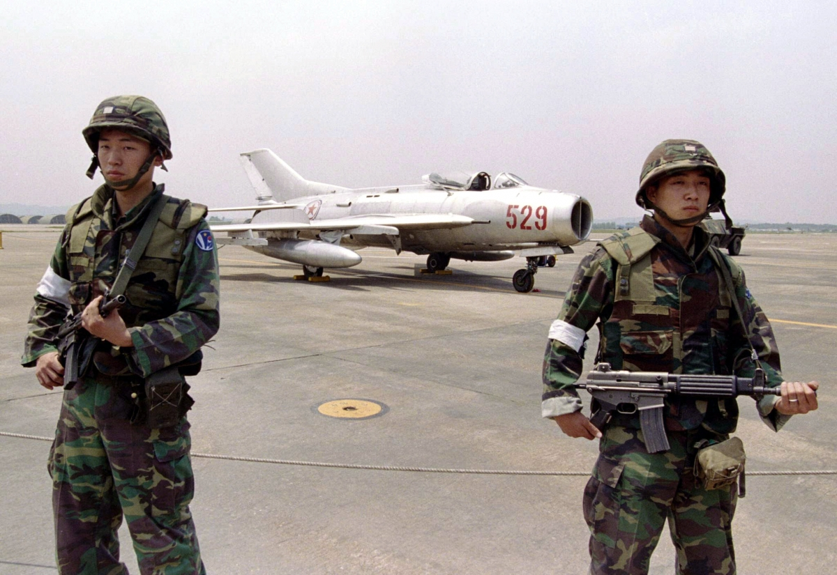 North Korean MiG-19 fighter jet crash
