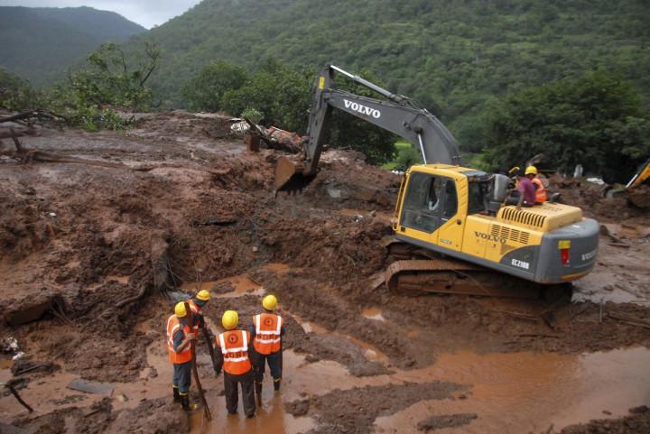 India Pune landslide
