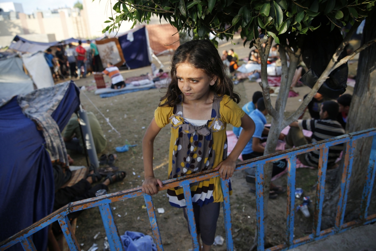 Israel and Hamas Accept Three-Day Humanitarian Truce