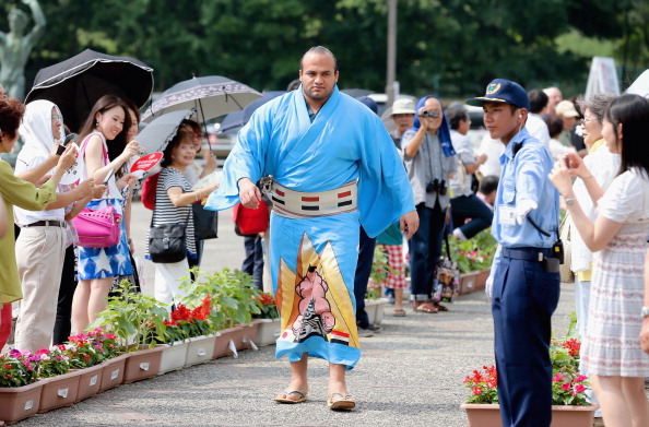 Muslim Sumo Wrestler Osunaarashi Struggles With Ramadan