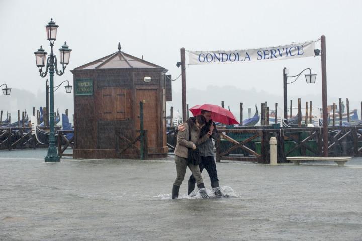 Heavy rain in Venice (AFP/Getty Marco Secchi)