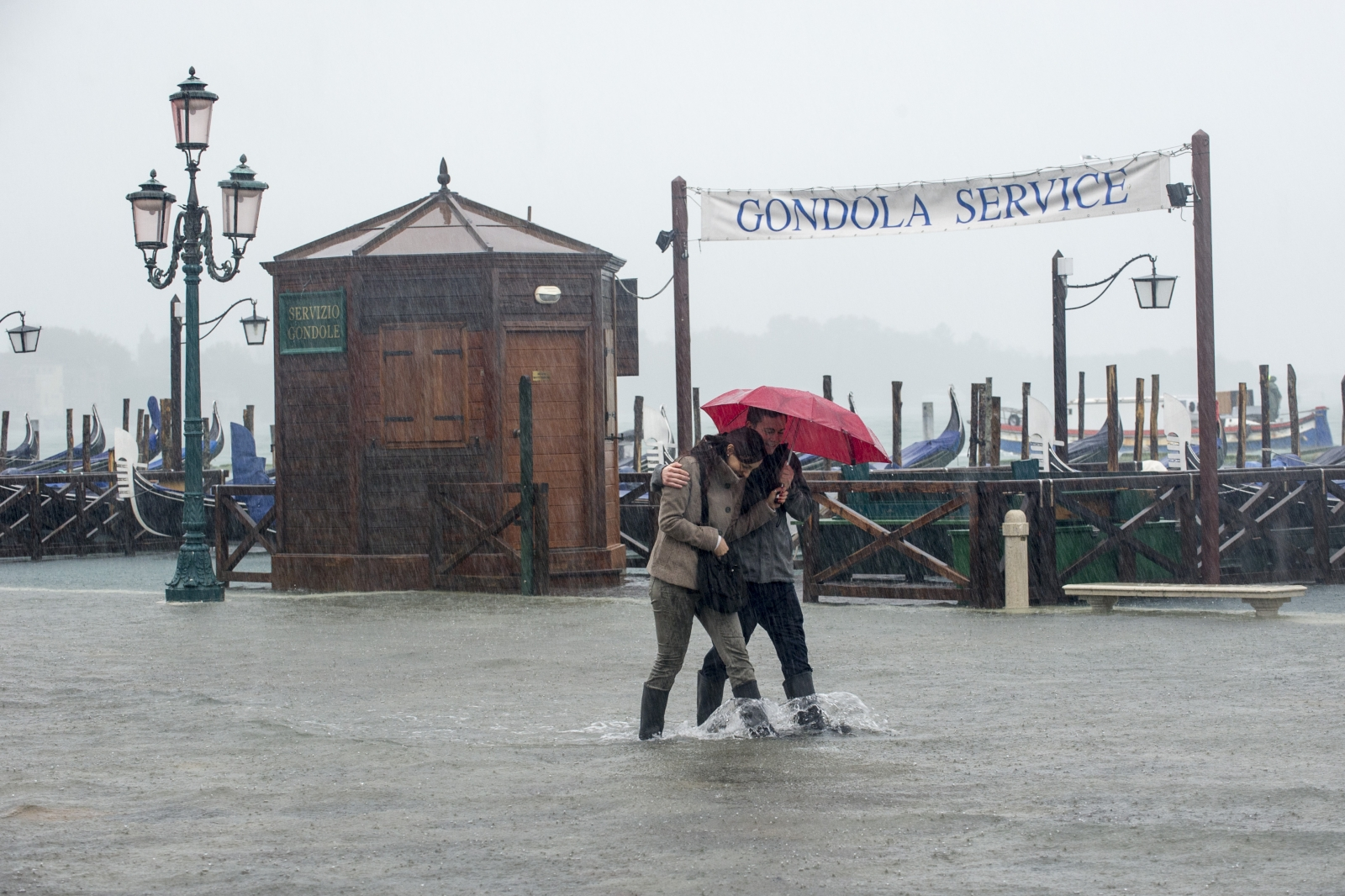 Heavy rain in Venice (AFP/Getty Marco Secchi)