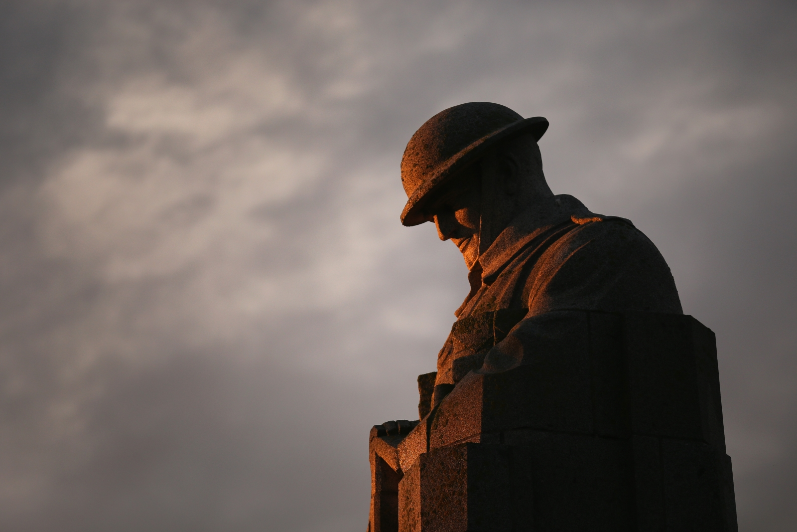 WW1 Statue of the Brooding Soldier