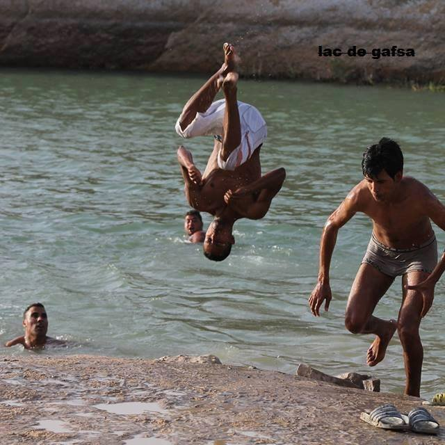 Bathers have ignored warnings of potential health hazards to swim in the waters of Lake Gafsa.