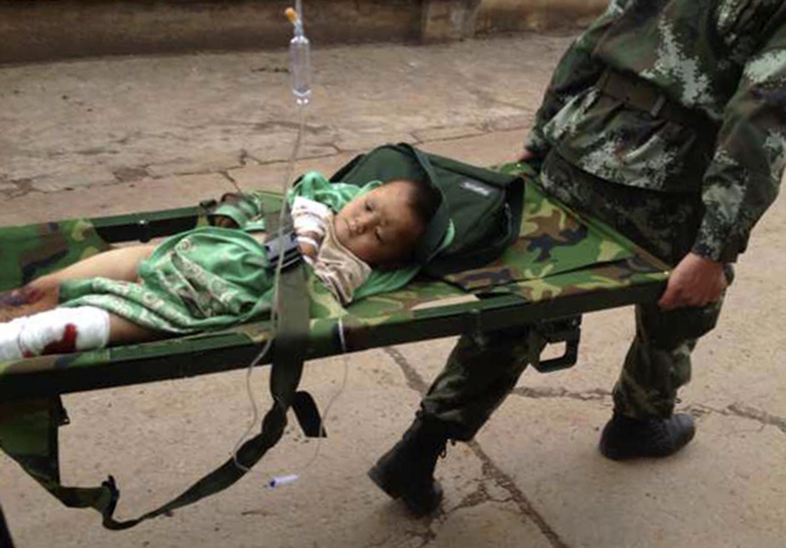Child injured in Yunnan earthquake