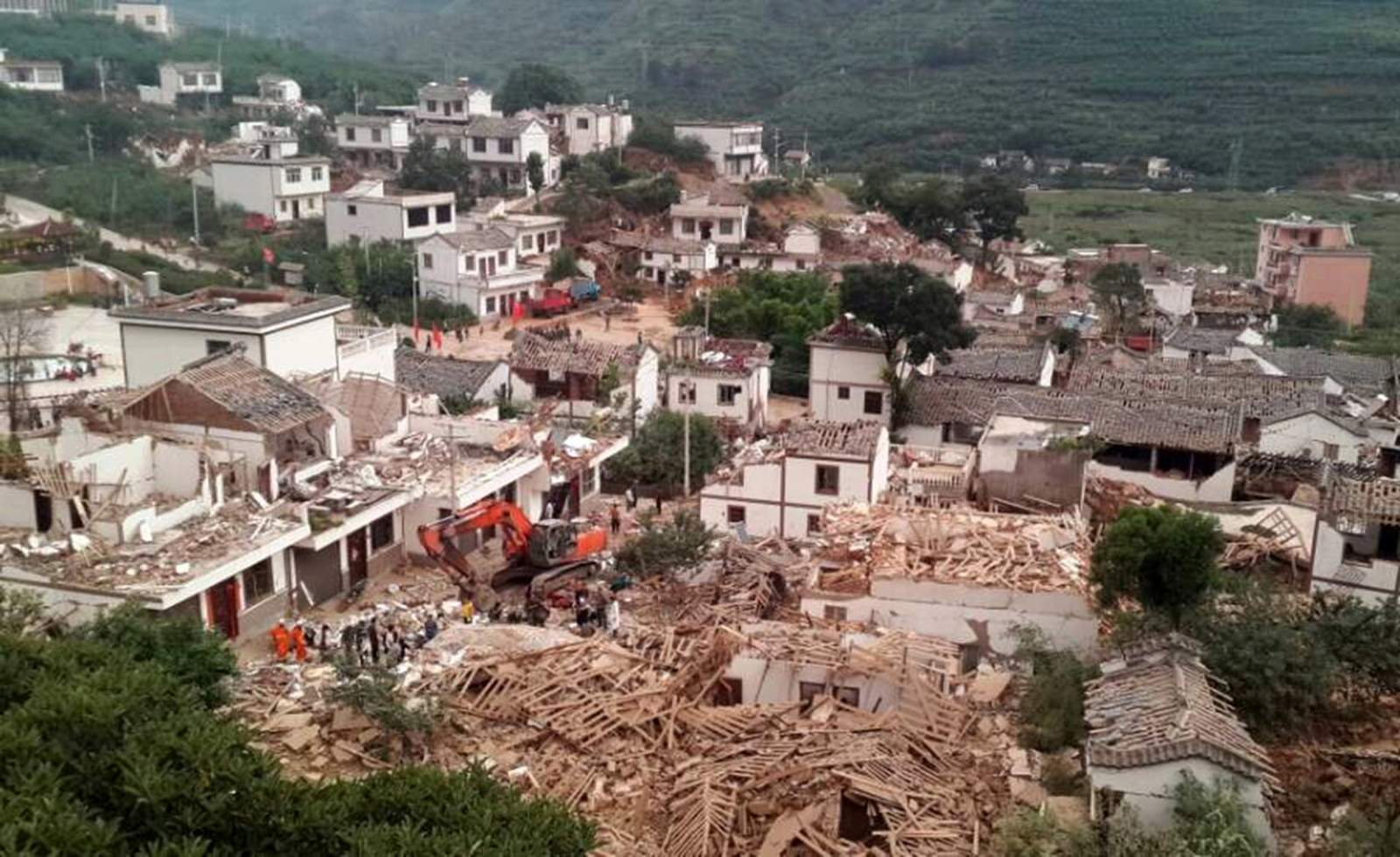 Yunnan earthquake collapsed buildings