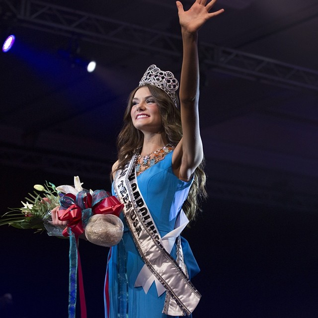 Miss South Carolina K. Lee Graham was crowned Miss Teen USA 2014.
