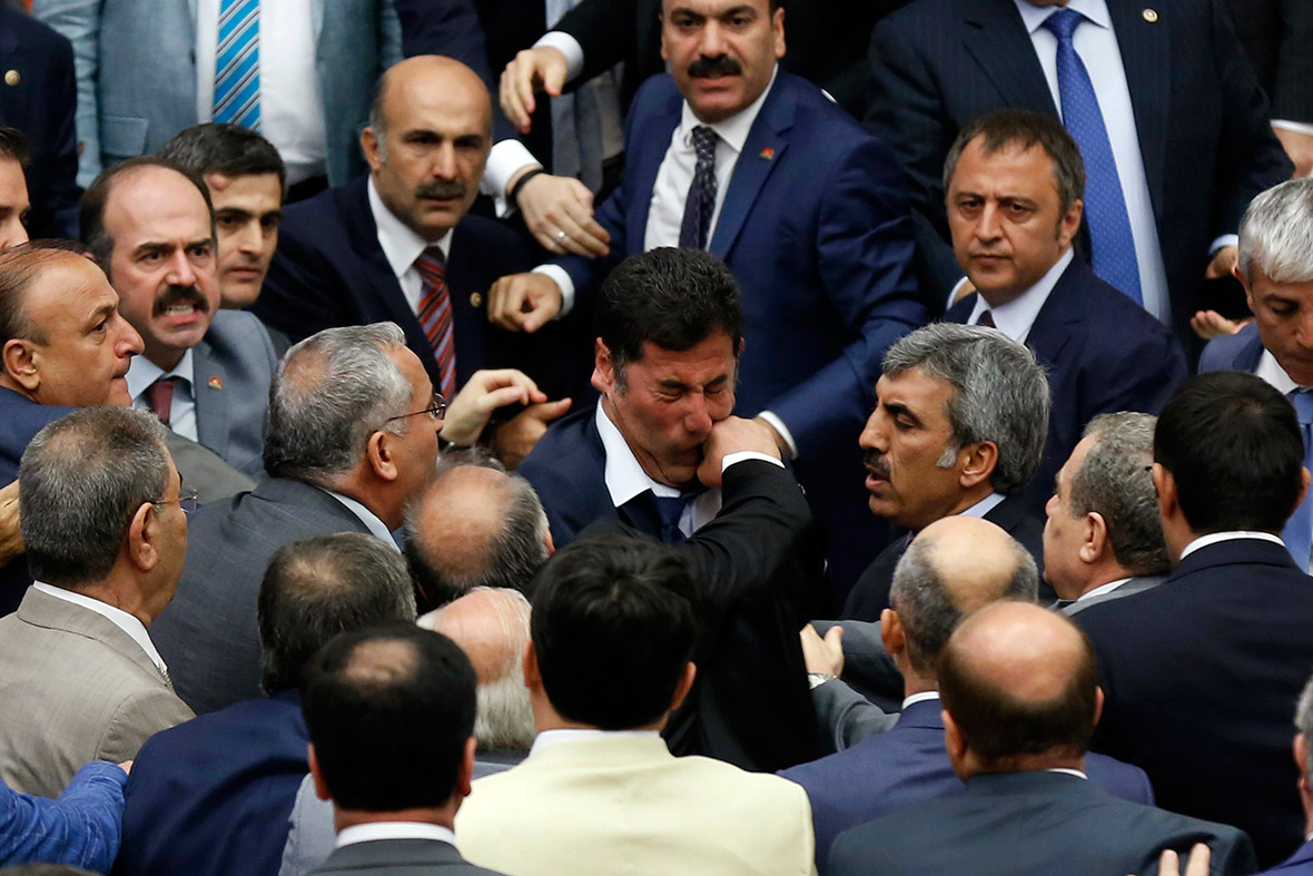 turkey politicians fight