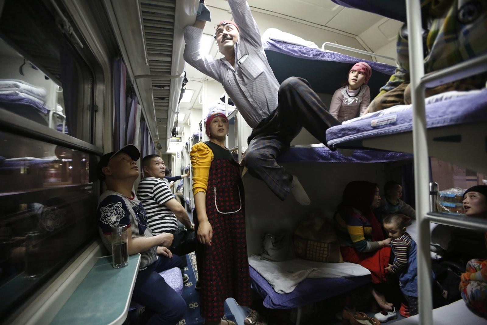 China Bans Islamic Dress, Beards and Headscarves in Xinjiang Public Transport