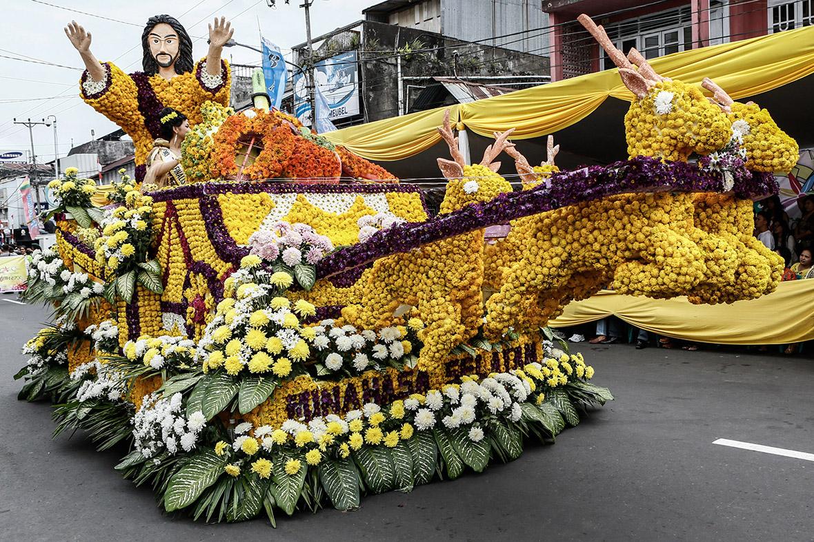 indonesia flower show Jesus reindeer