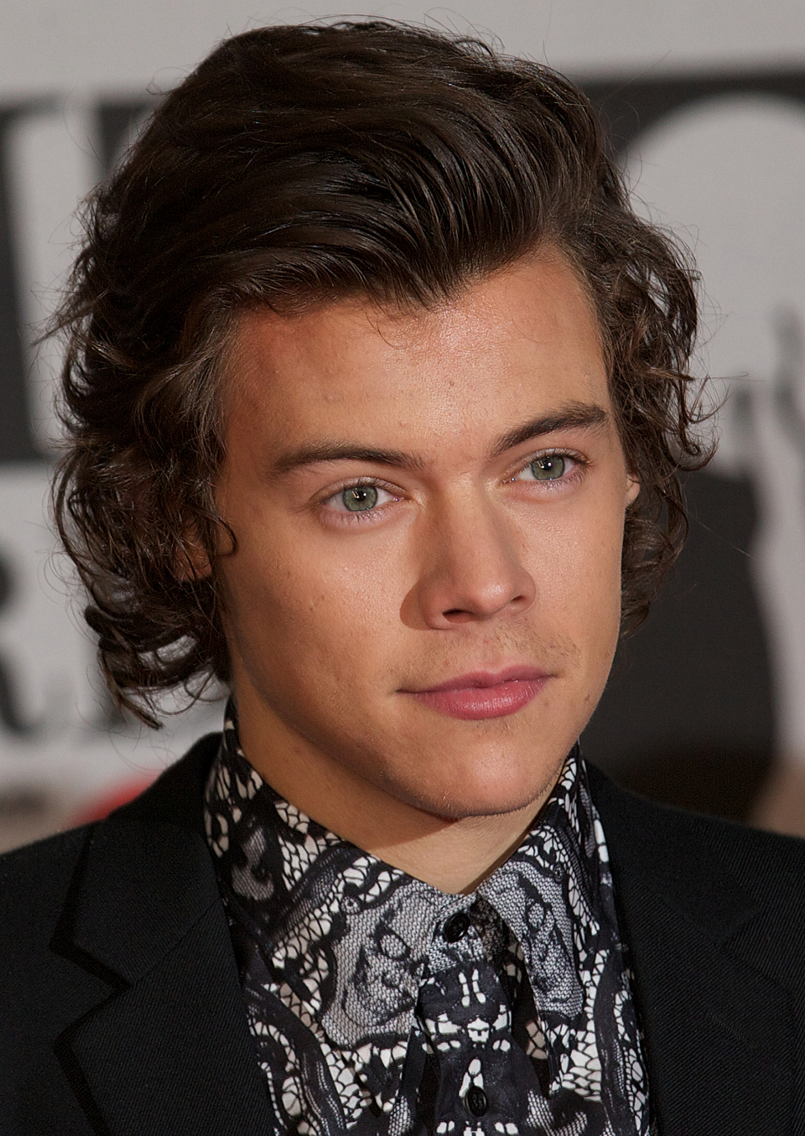 Brilliant One Direction Star Harry Styles39 Idol Mick Jagger Takes Him Under Short Hairstyles Gunalazisus