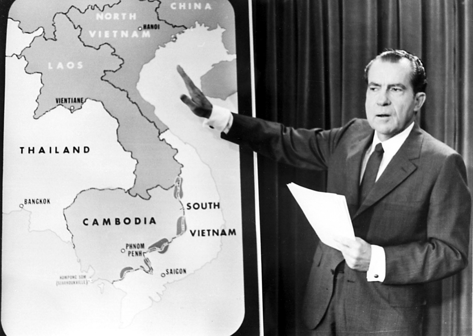 An analysis of richard nixon and the vietnam war