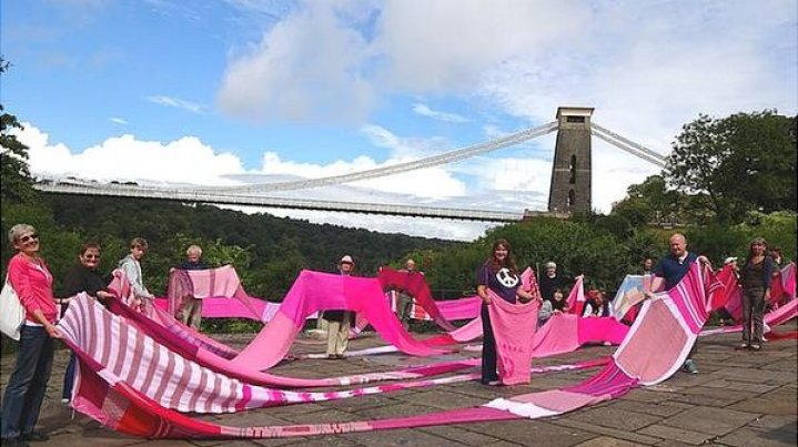 Bristol activists help create seven-mile long peace scarf