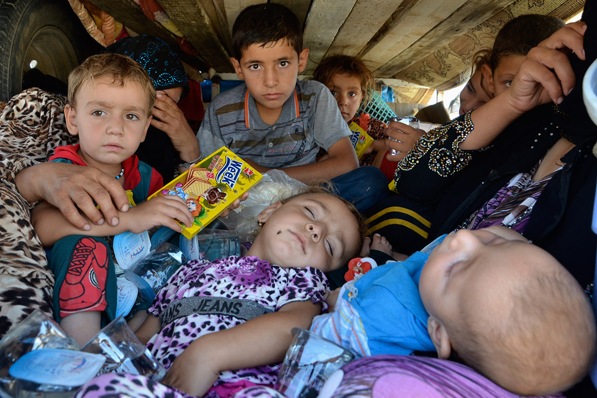 yazidi refugees flee Iraq