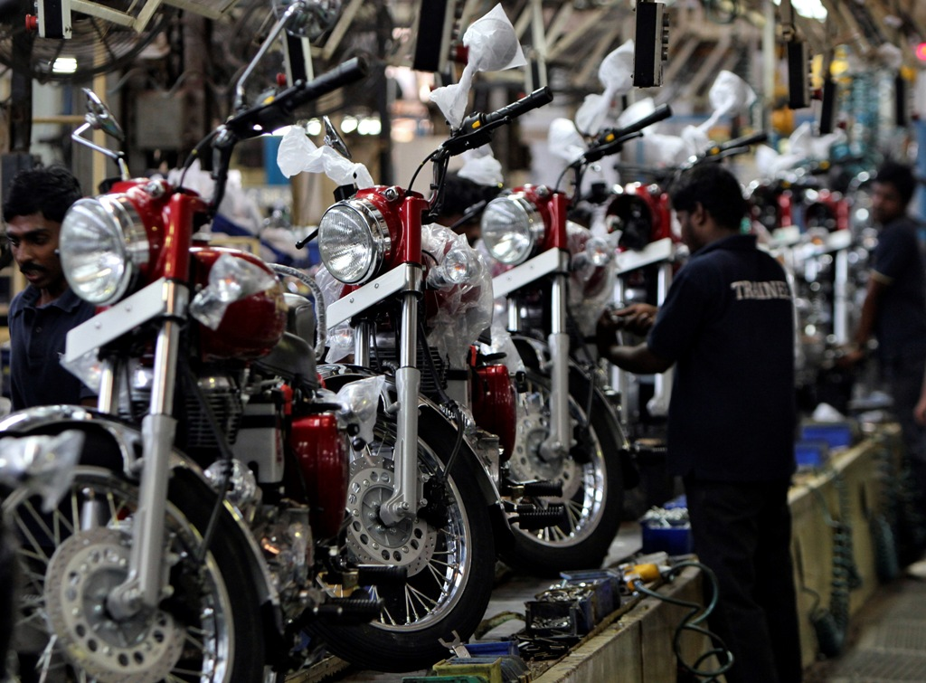 Indian Motorcycles 2015 >> India\'s iconic motorcycle brand Royal Enfield to open ...