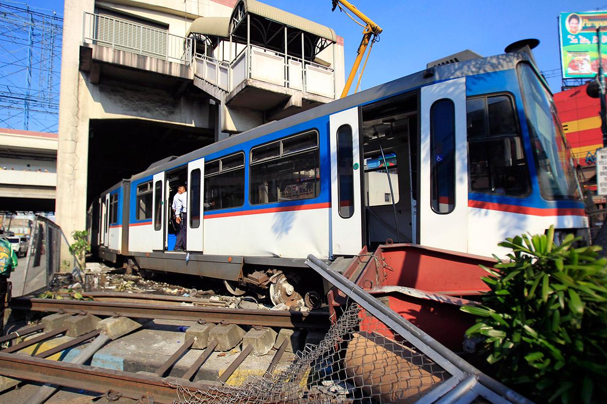 derailed train