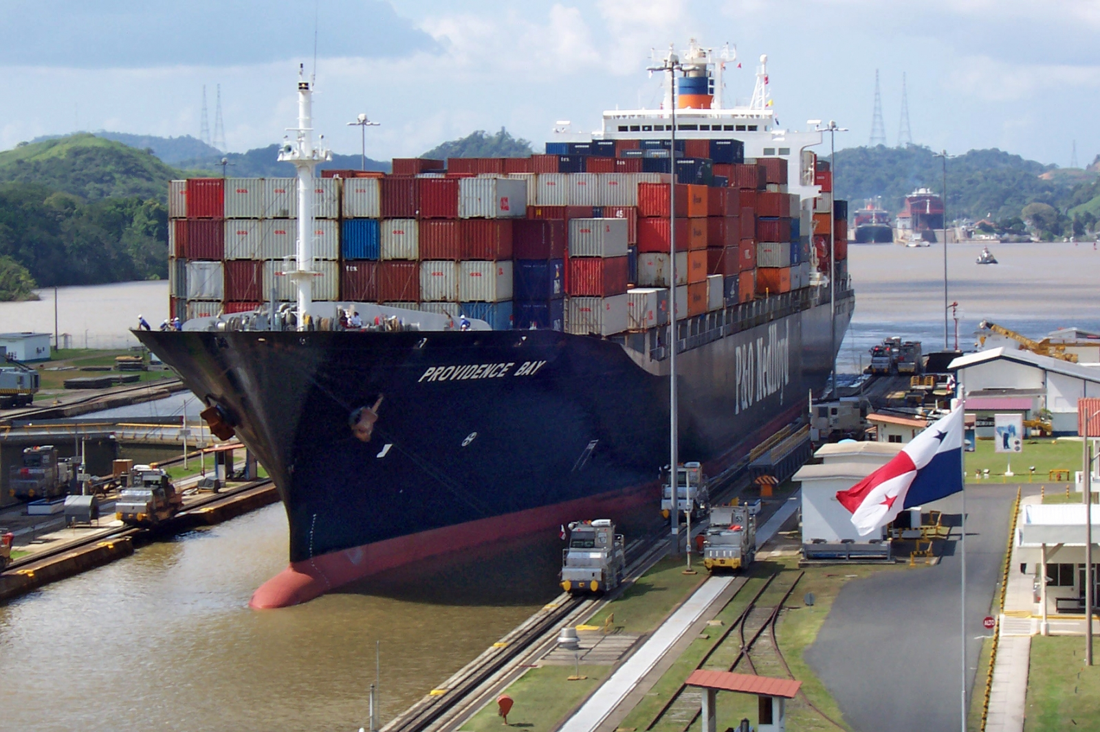 Canal De Panama: Man Dies After 35 People Found In Tilbury Docks Shipping