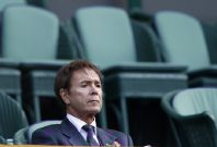 Cliff Richard claims the Press knew before him that  police would searched his home