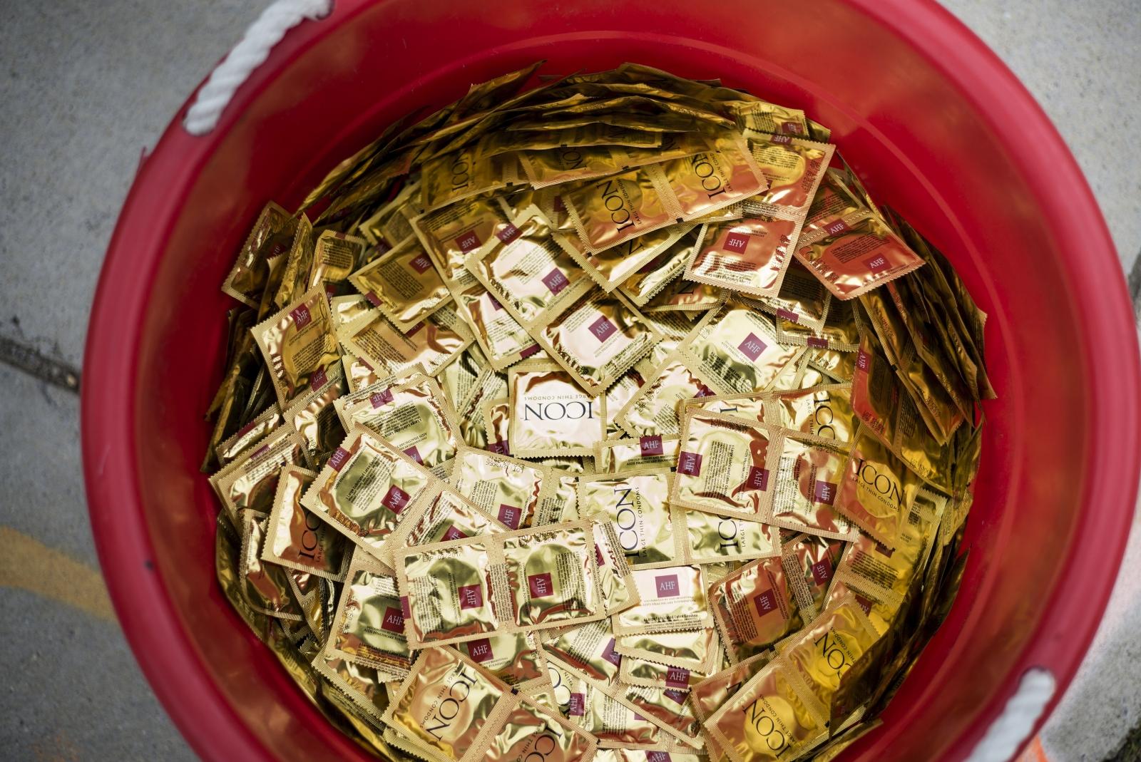 British Lovers Ditch Condoms For Sandwich Bags Survey Claim