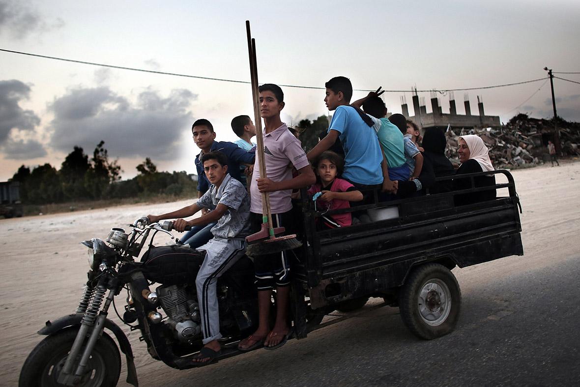 gaza flee