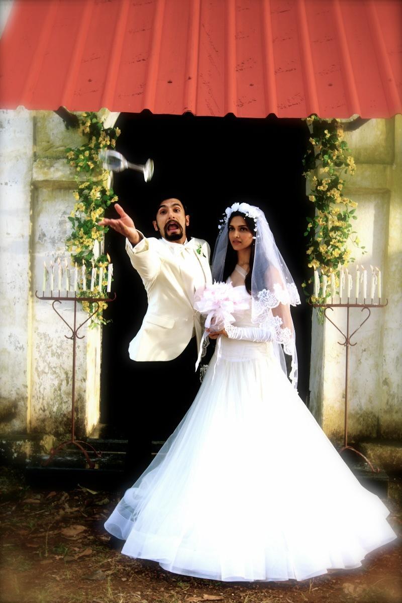 Ranveer Singh and Deepika Padukone in Finding Fanny
