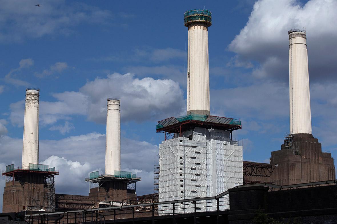 battersea power station chimneys