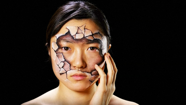 Artist in Japan Creates Surreal Illusions by Painting on Bodies
