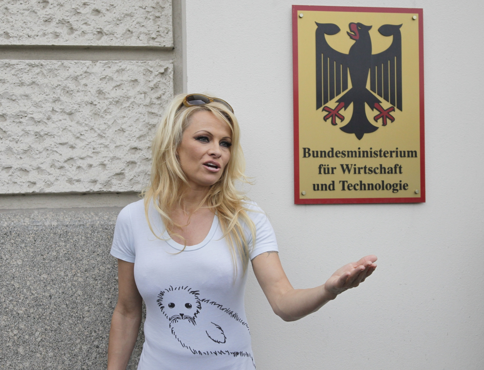 Pamela Anderson refused the ALS ice bucket challenge