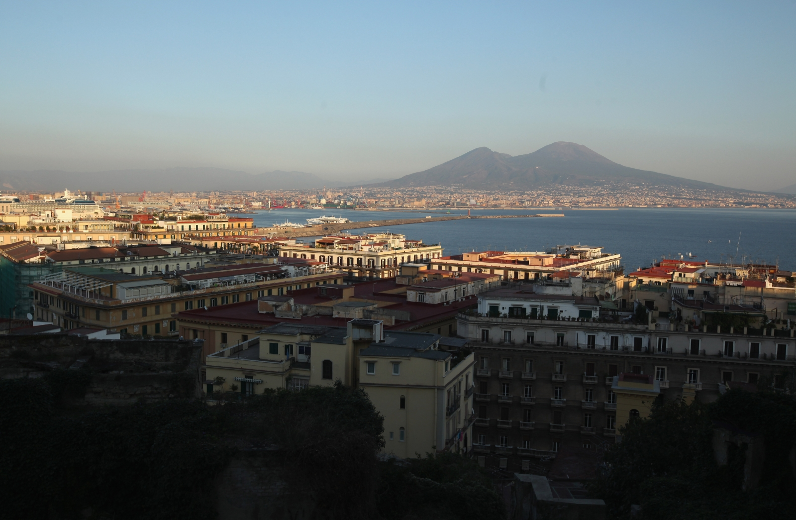 The Bay of Naples, base of the Camorra mafia (Getty)