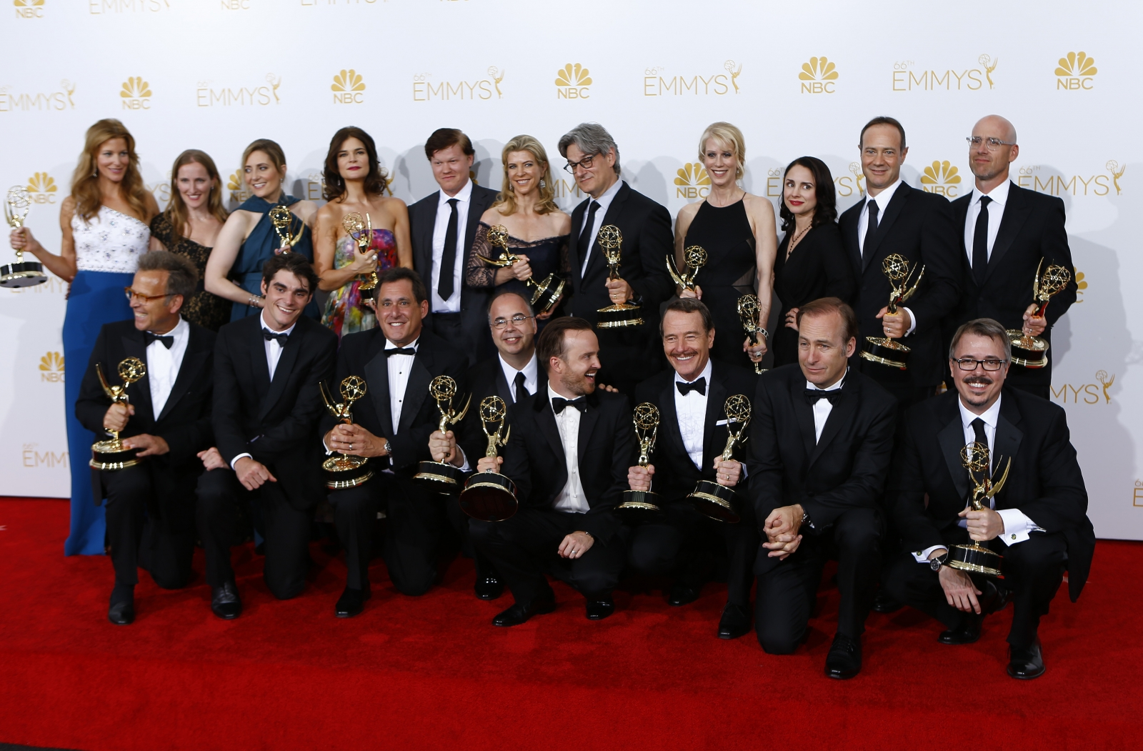 Emmy Awards 2014 Winners List: Breaking Bad and Modern Family Wins Big at the Award Show