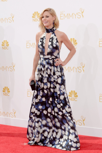 Actress Julie Bowen arrives to the 66th Annual Primetime Emmy Awards held at the Nokia Theater on August 25, 2014.