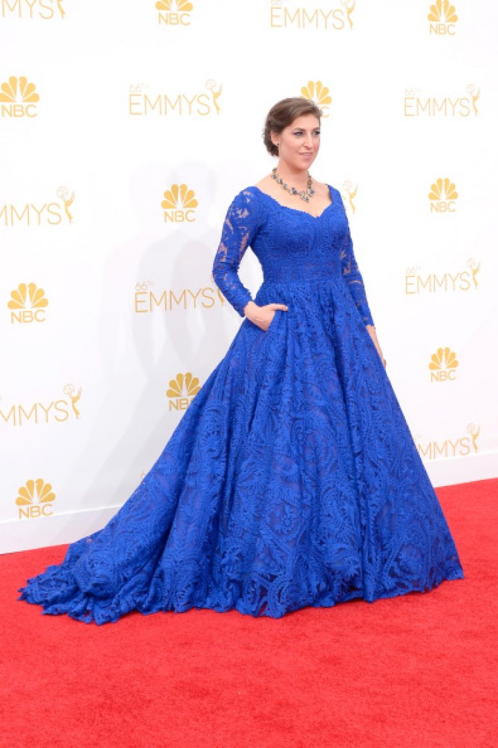 Actress Mayim Bialik arrives to the 66th Annual Primetime Emmy Awards held at the Nokia Theater on August 25, 2014.